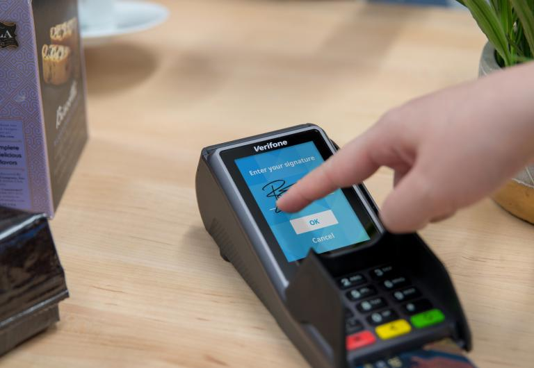Engage V400c Introducing Verifone S