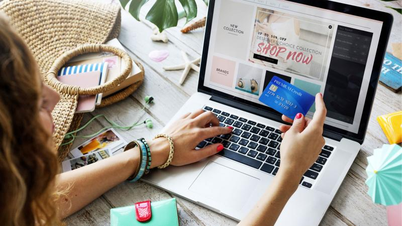 Shopping online with payment card