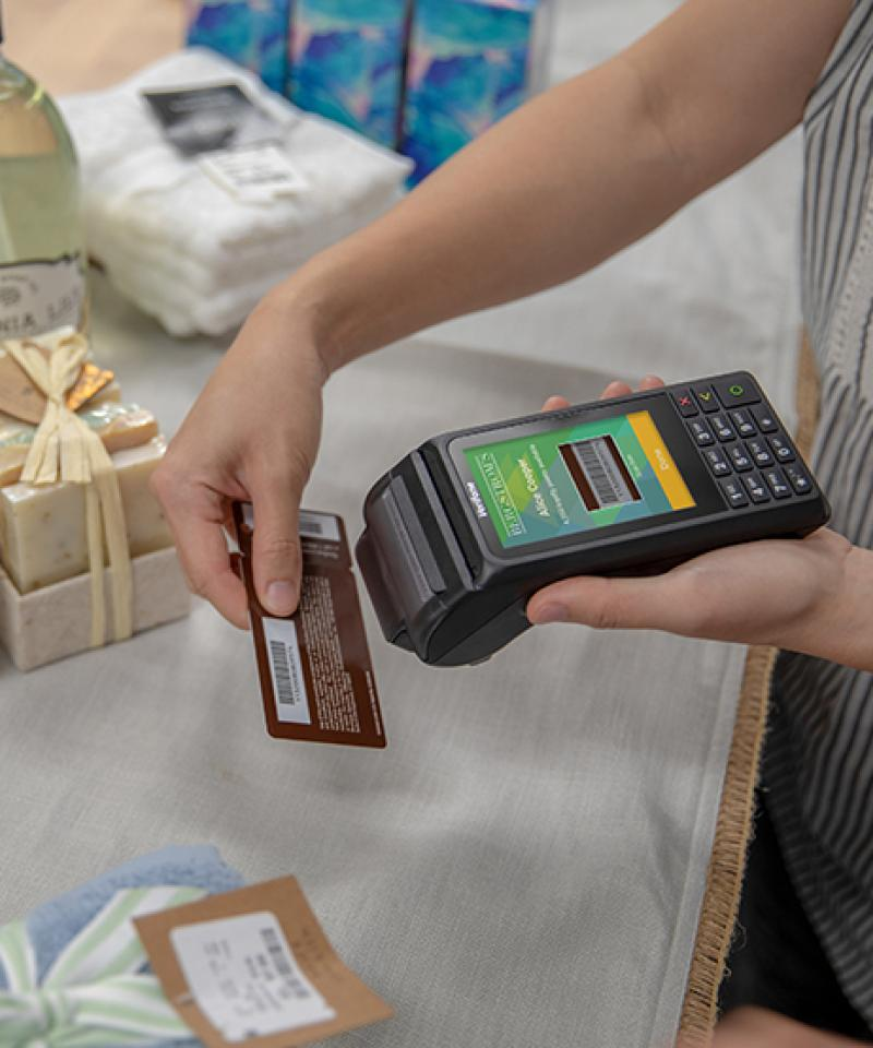 V240m verifone device